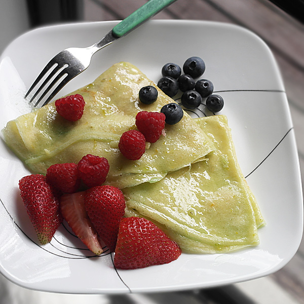 crepes-and-fruit