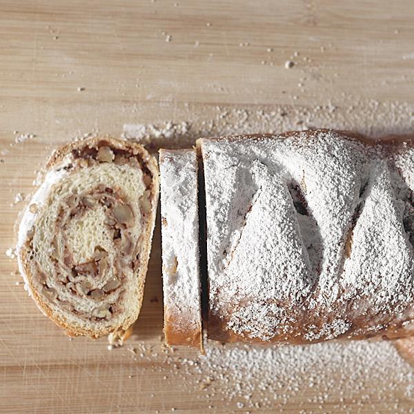 Nut-Bread
