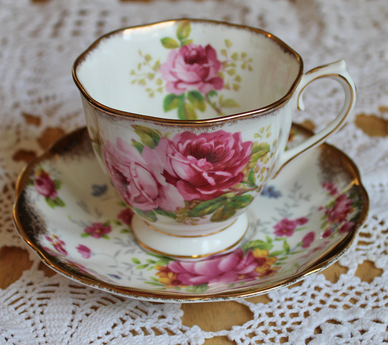 Royal Albert American Beauty Bone China Vintage Tea Cup