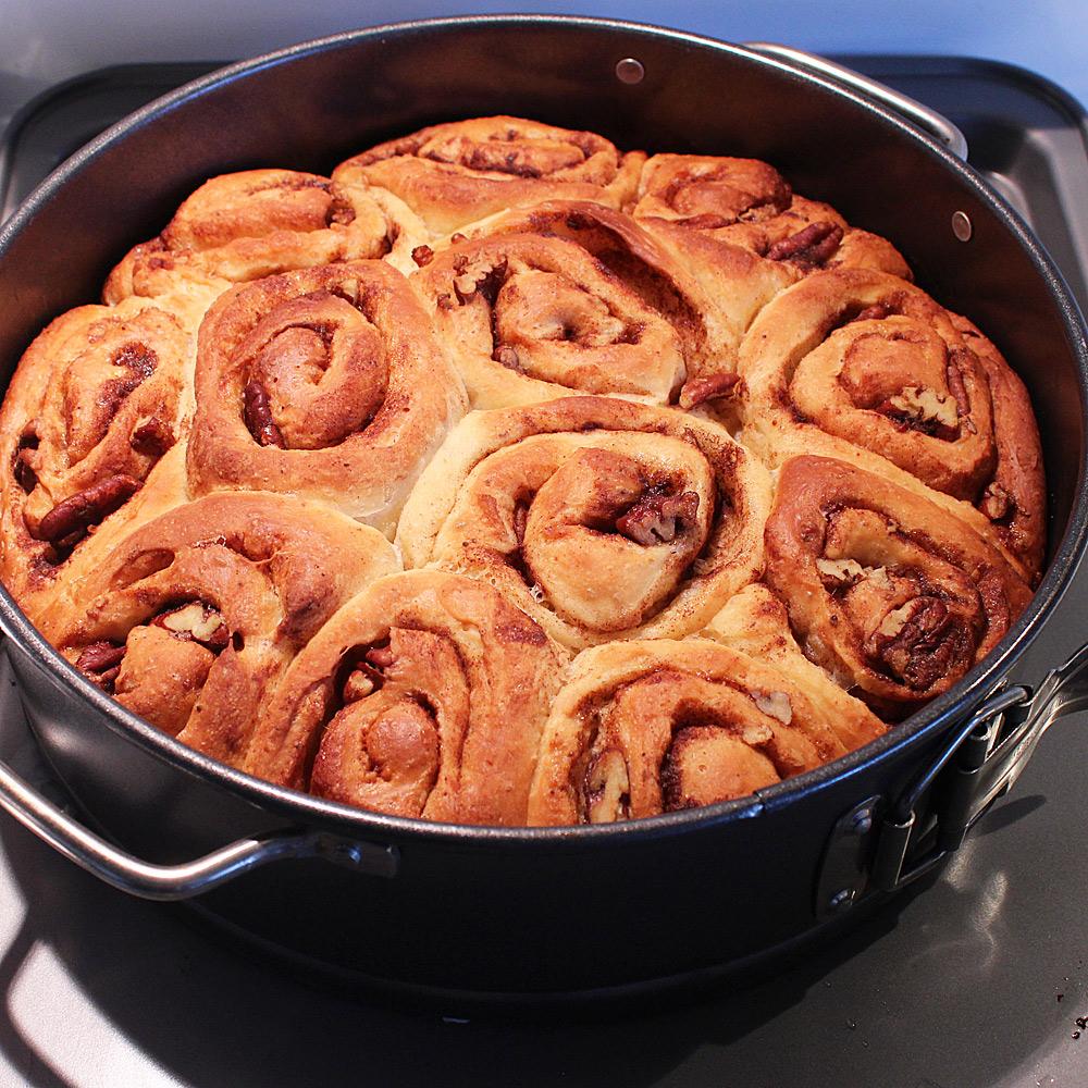 baked-cinnamon-buns