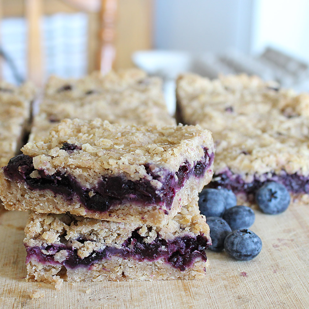 Oatmeal fruit squares